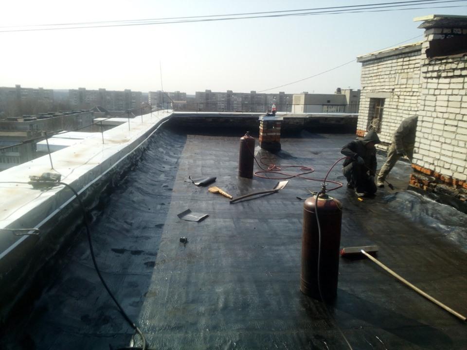 Капітальні ремонти покрівель та парапетів