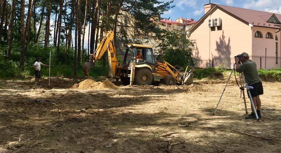 Розпочалися роботи з будівництва нового спортивного майданчика